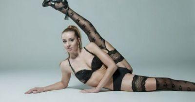 gimnasta-verona-van-de-leur-face-filme-pentru-adulti-390666