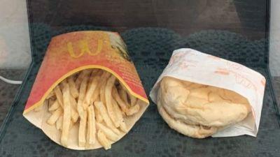 a-cumparat-un-cheeseburger-acum-10-ani-si-l-a-tinut-pana-azi-surpriza-uriasa-cum-arata-acum-sandvisul_1